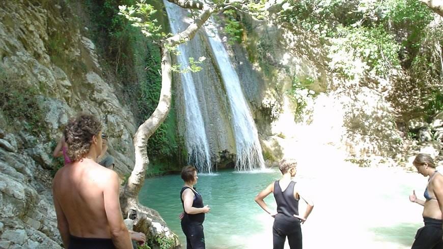 River trekking - Neda